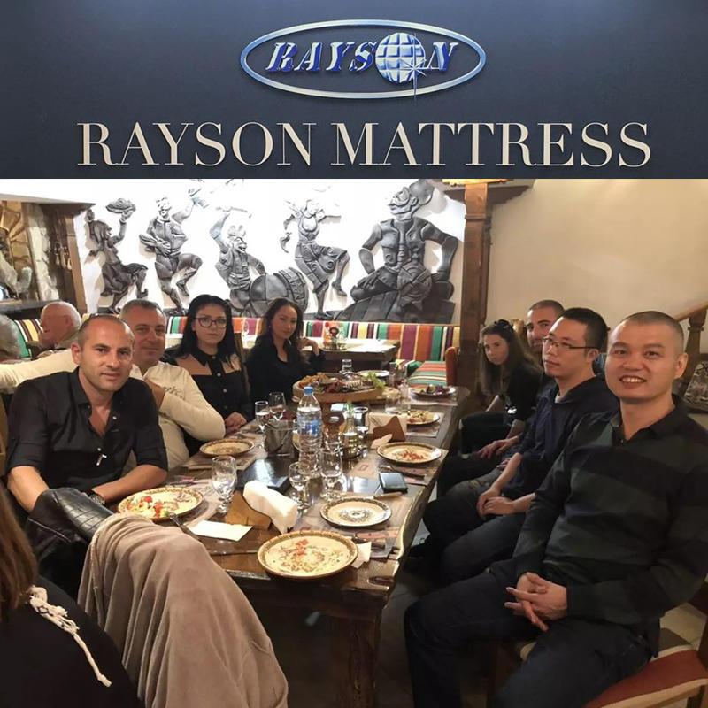 Dyrektor generalny Rayson Deng wymienił poglądy na temat materaca z wybitnym przedsiębiorstwem w Bułgarii